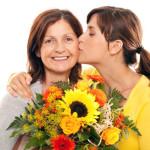 Какой лучше всего подарок сделать своей маме?
