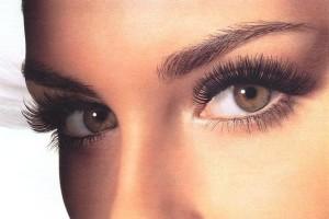 Как грамотно подчеркнуть красоту глаз