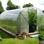 Как оборудовать свой сад по последнему слову техники?