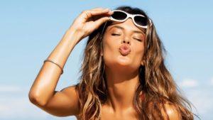 Особенности летнего макияжа и ухода за кожей лица