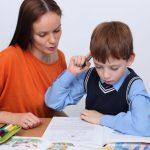 Как правильно следить за учебой ребенка?